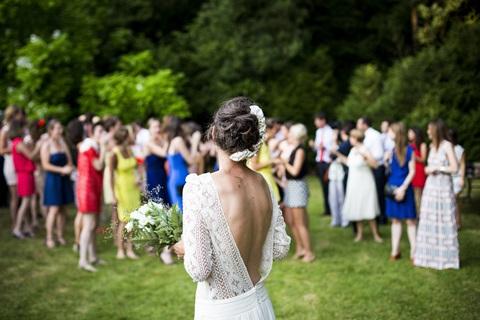 Im Freien heiraten liegt voll im Trend.