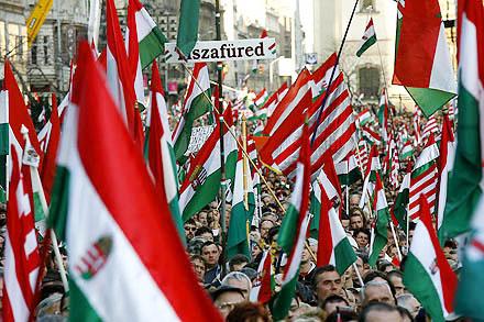 Demonstrationen in Budapest am 15. März Nationalfeiertag