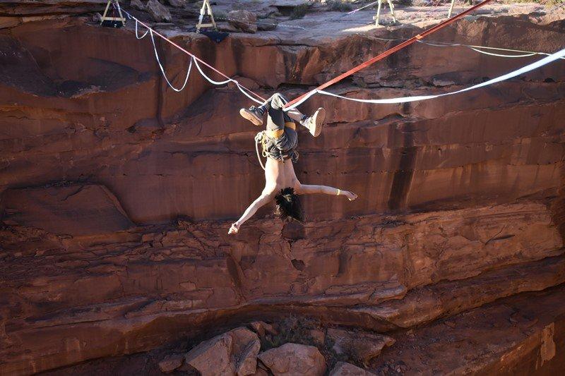 Slackline über Canyon