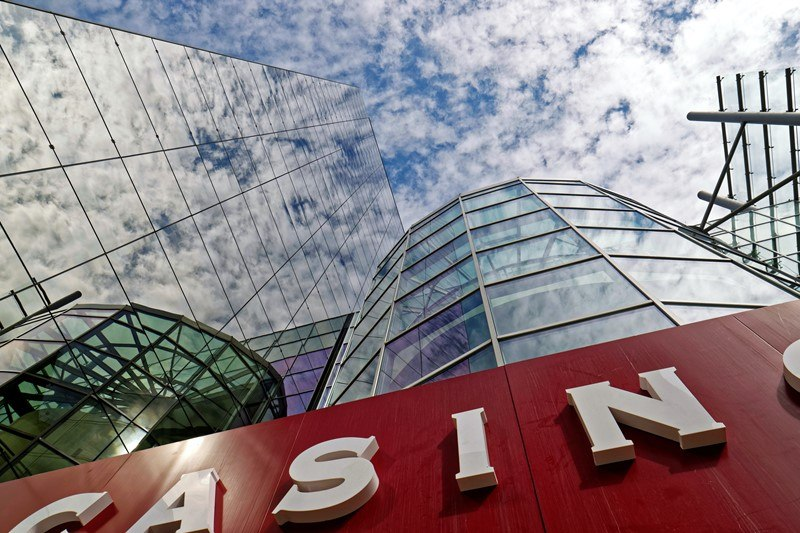 Blick auf ein Casino-Gebäude